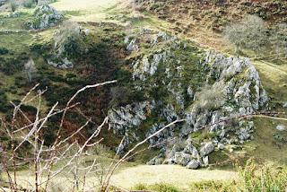 Detalle del relieve rocoso que aflora en los puertos
