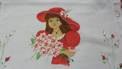 boneca pintada para saia de croche vermelha