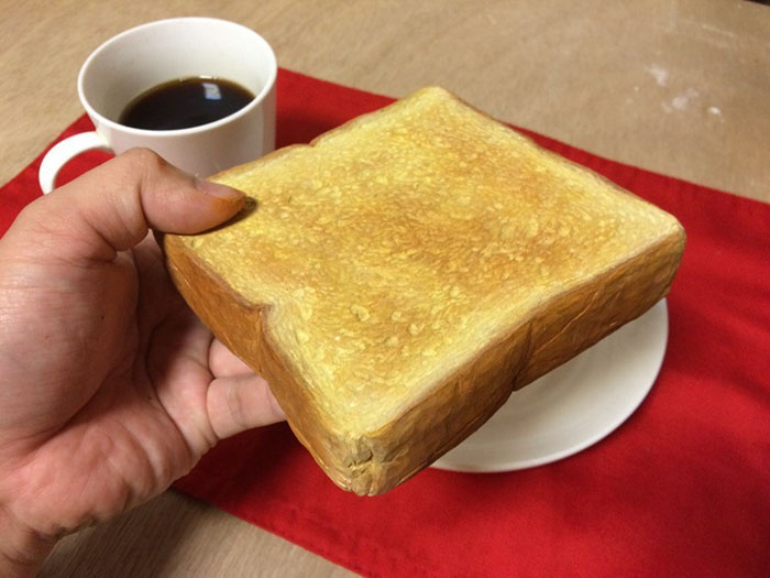 16-Toast-Seiji-Kawasaki-Mouth-Watering-Realistic-Food-Art-Made-out-of-Wood-www-designstack-co