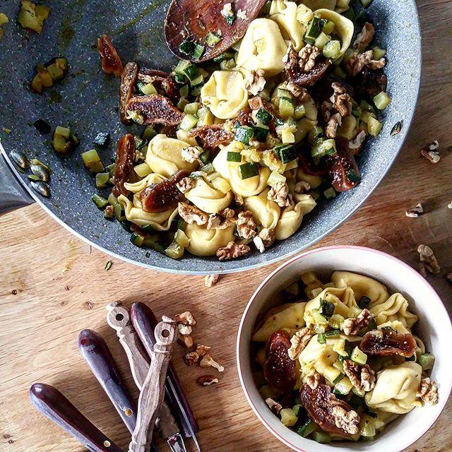 Tortelloni Carne mit Zucchini, Feigen und Walnüssen