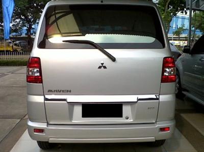 Eksterior Mitsubishi Maven Tampak Belakang