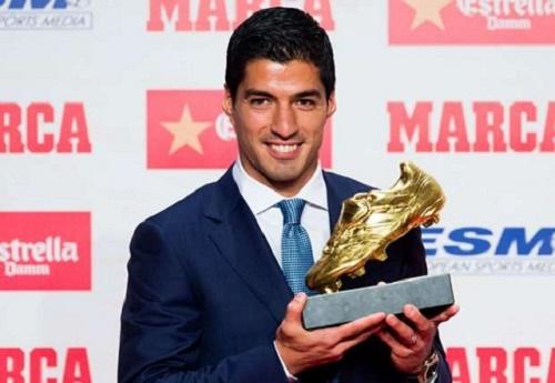 Luis Suarez giành danh hiệu Chiếc giày vàng 2015/16
