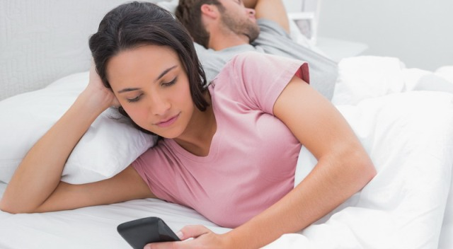 5 Tipe Wanita yang Suka Berselingkuh dan Cara Mengatasinya