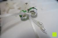Ringe binden: Hochzeit Ringkissen Kissen mit Faux Perle Blume Satin Elfenbein 20cm*20cm ---Ivory