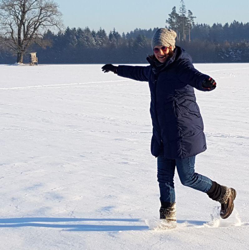 Spaziergang im verschneiten Winterwonderland