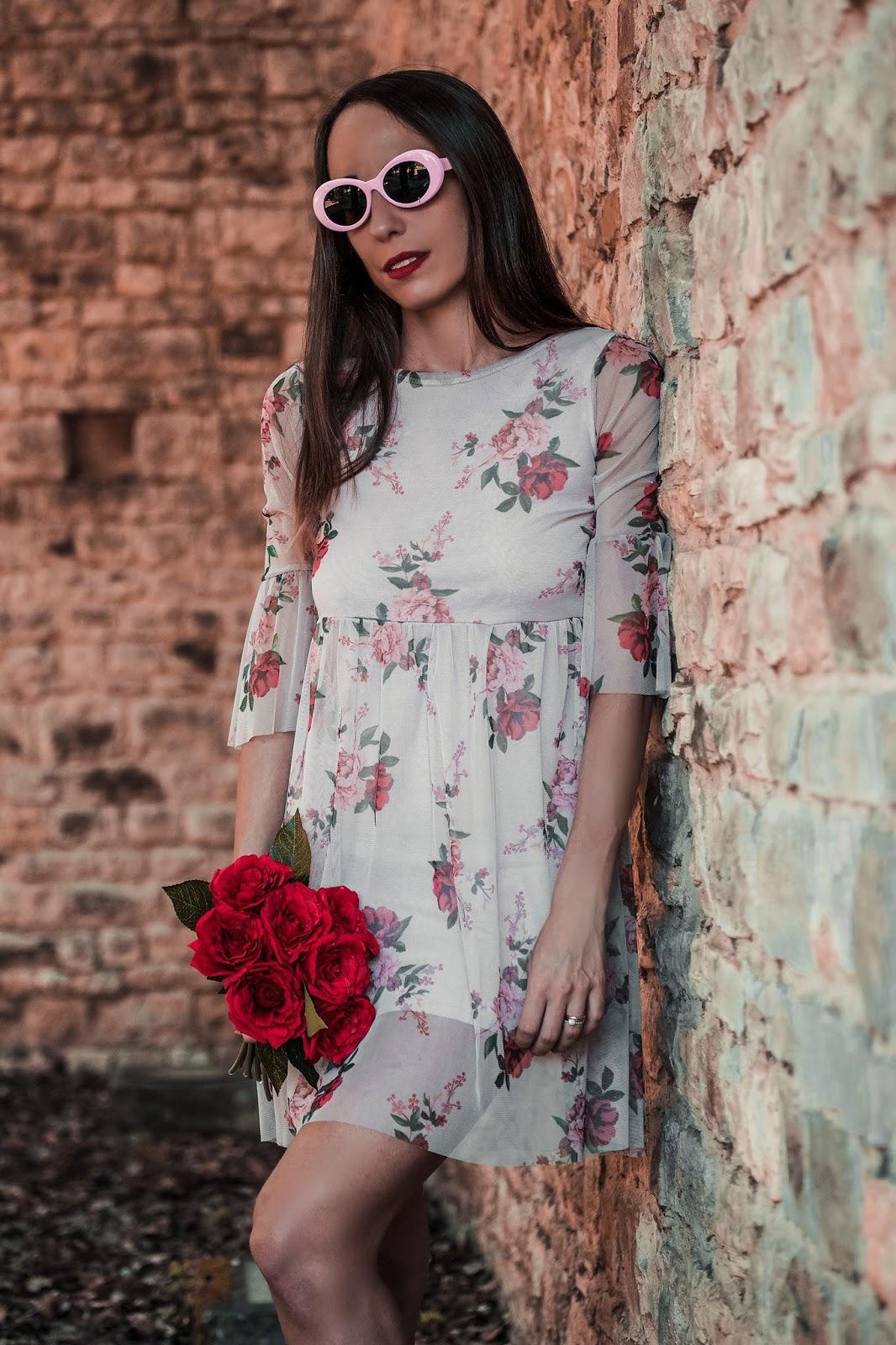 abito romantico fiori