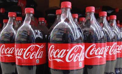 ΣΟΚΑΡΕΙ υπάλληλος της Coca Cola με τις αποκαλύψεις του: «Αυτά που είδαν με έκαναν να…»