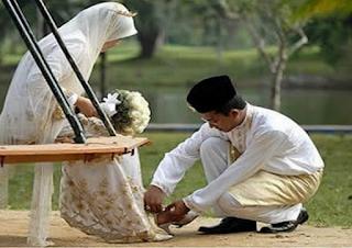 Wahai Para Suami, Inilah 4 Cara memuliakan Istri