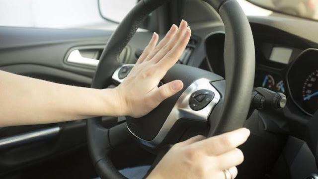 Menguak Alasan Wanita Lebih Rentan Kecelakaan Saat Mengemudi