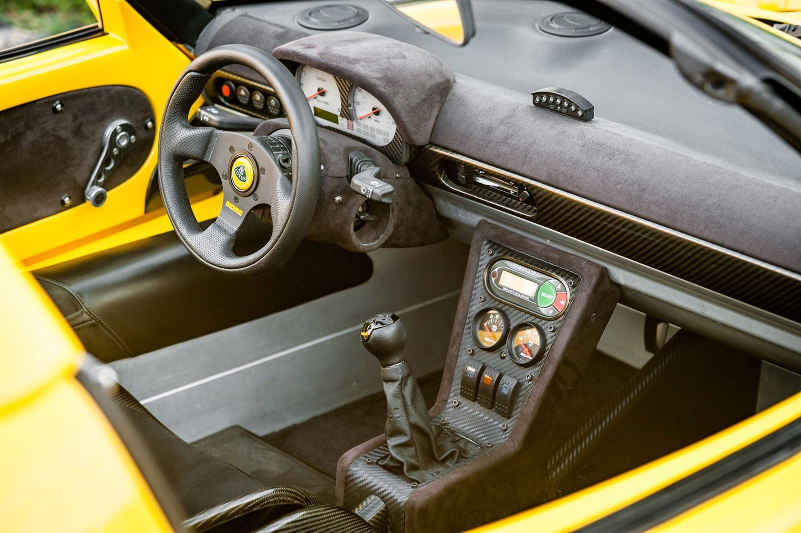 https://2.bp.blogspot.com/--85wlStBPEE/VDcoLA8kfeI/AAAAAAAAopc/kJ-lfbFSsio/s1600/1999-Lotus-Elise-GT-interior.JPG