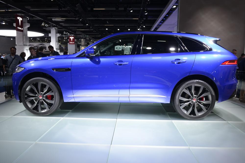 Jaguar F-Pace 2017 sẽ được bán với giá $40.990