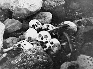 Fotografía de huesos encontrados de la expedición del Erebus y el Terror