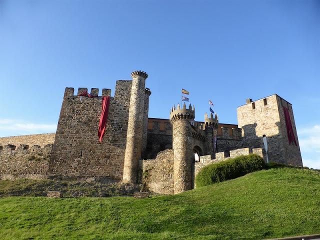 Castillo Templario de Ponferrada, lateral