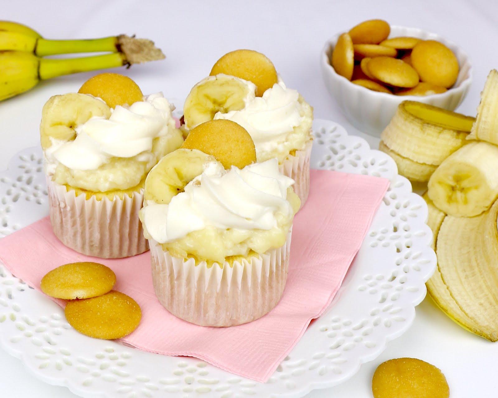Banana Pudding Pie Cupcakes - The Lindsay Ann