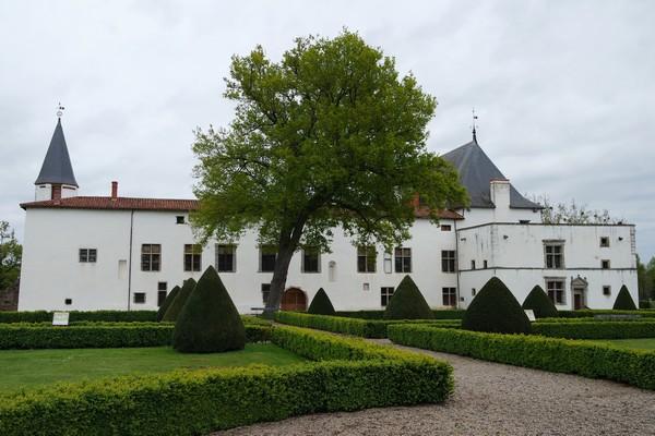 loire forez batie urfé château Saint-Étienne-le-Molard jardin