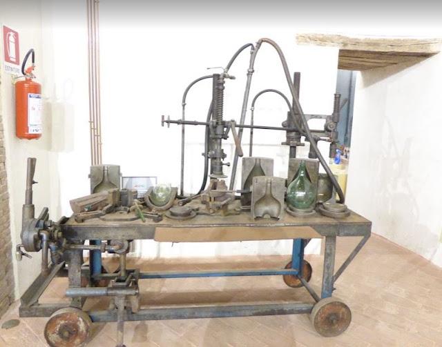 attrezzature nel museo del vetro di Piegaro