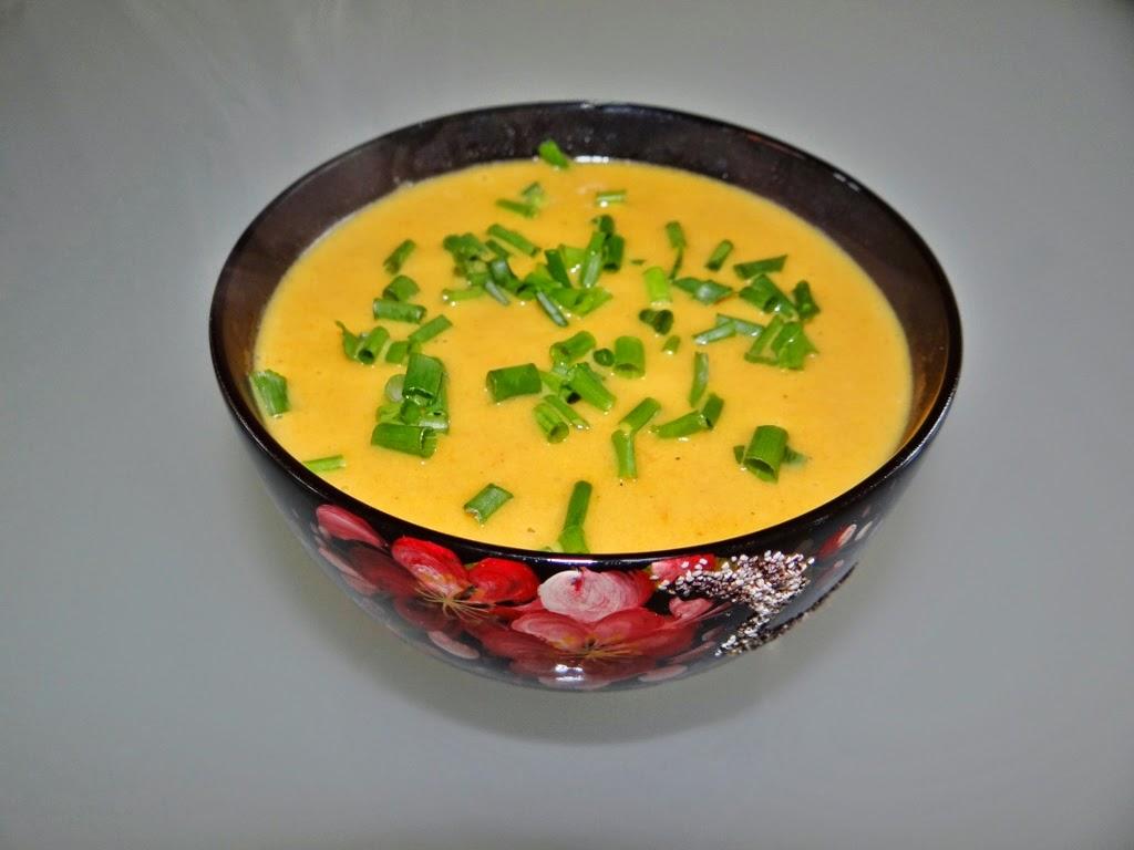 Zupa marchewkowa z mleczkiem kokosowym
