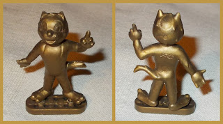 Anthropomorphic Cat; Anthropomorphic Toy; Cartoon Cat; Cartoon Character; Cartoon Mascot; French Pif Comic; Kids Comic Character; Old Plastic Toy; Pif; Pif Cat; Premium Toy Cat; Premiums; Small Scale World; smallscaleworld.blogspot.com; Vintage Plastic; Vintage Toy;