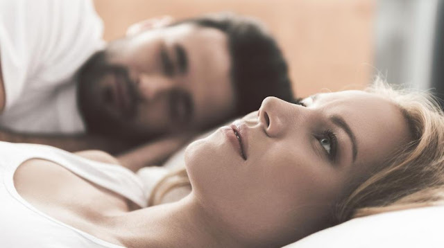 Ilustrasi tidur setelah seks
