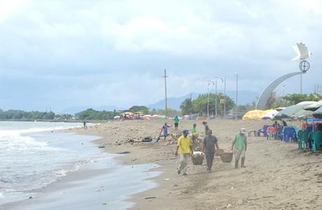 """Pantai Padang Bersih dan """"Tacelak"""""""