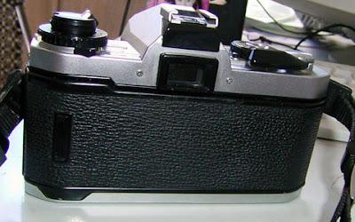 Fujica AX-1 tampak belakang