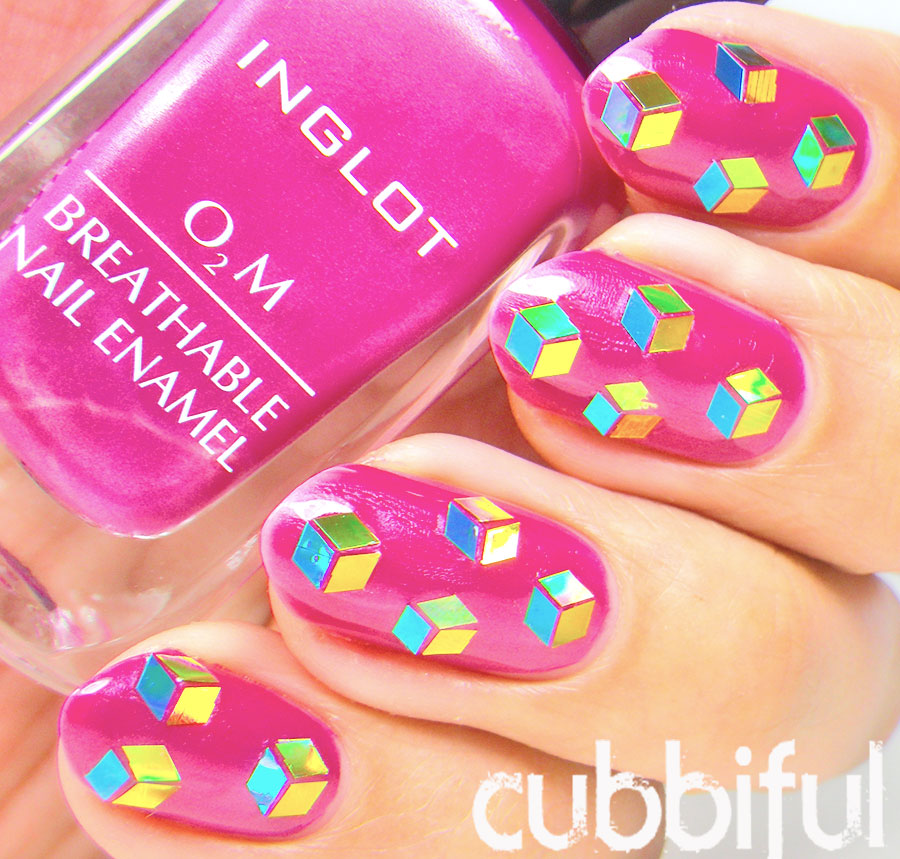 cube pattern nails