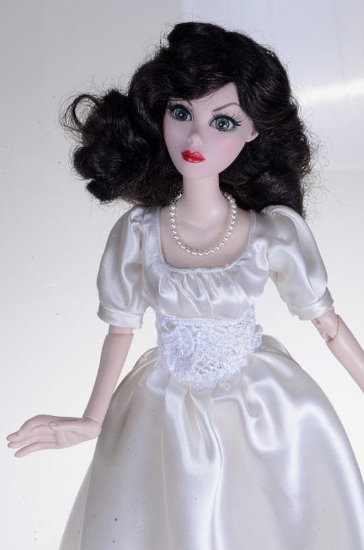 Suknia dla Evangeline Ghastly.