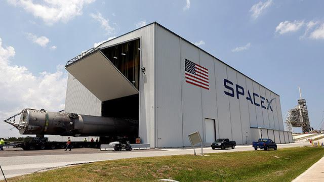 ¿Sabotaje industrial? SpaceX cree que su rival está detrás de la explosión del Falcon 9