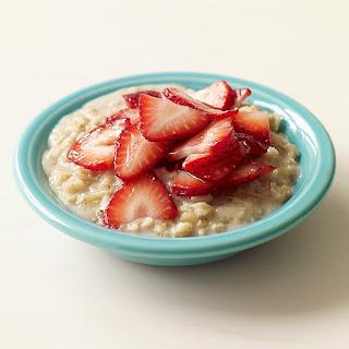 Cara Alami Diet Sehat Dengan Overnight Strawberry Oatmeal