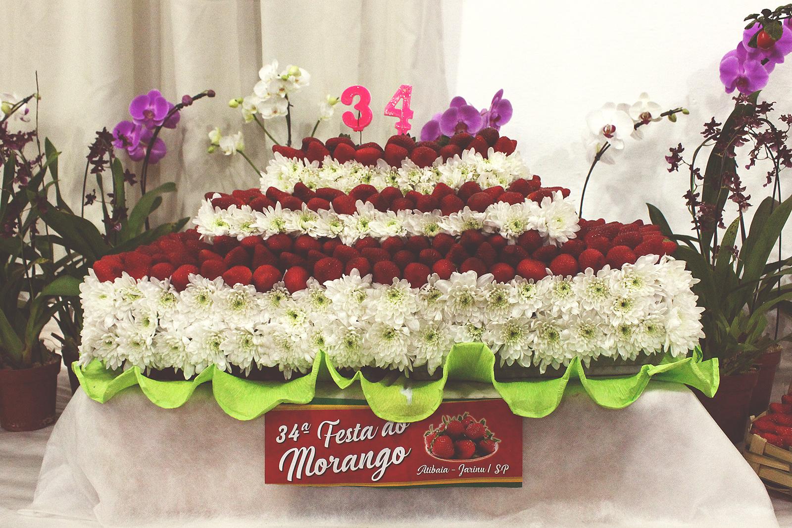 bolo-flores-morango-jarinu