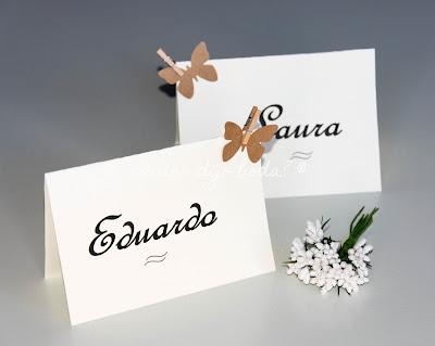 Marcasitios DiY con detalles de pinzas y mariposas kraft