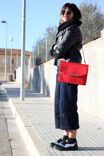 culotte-tejano-bolso-rojo