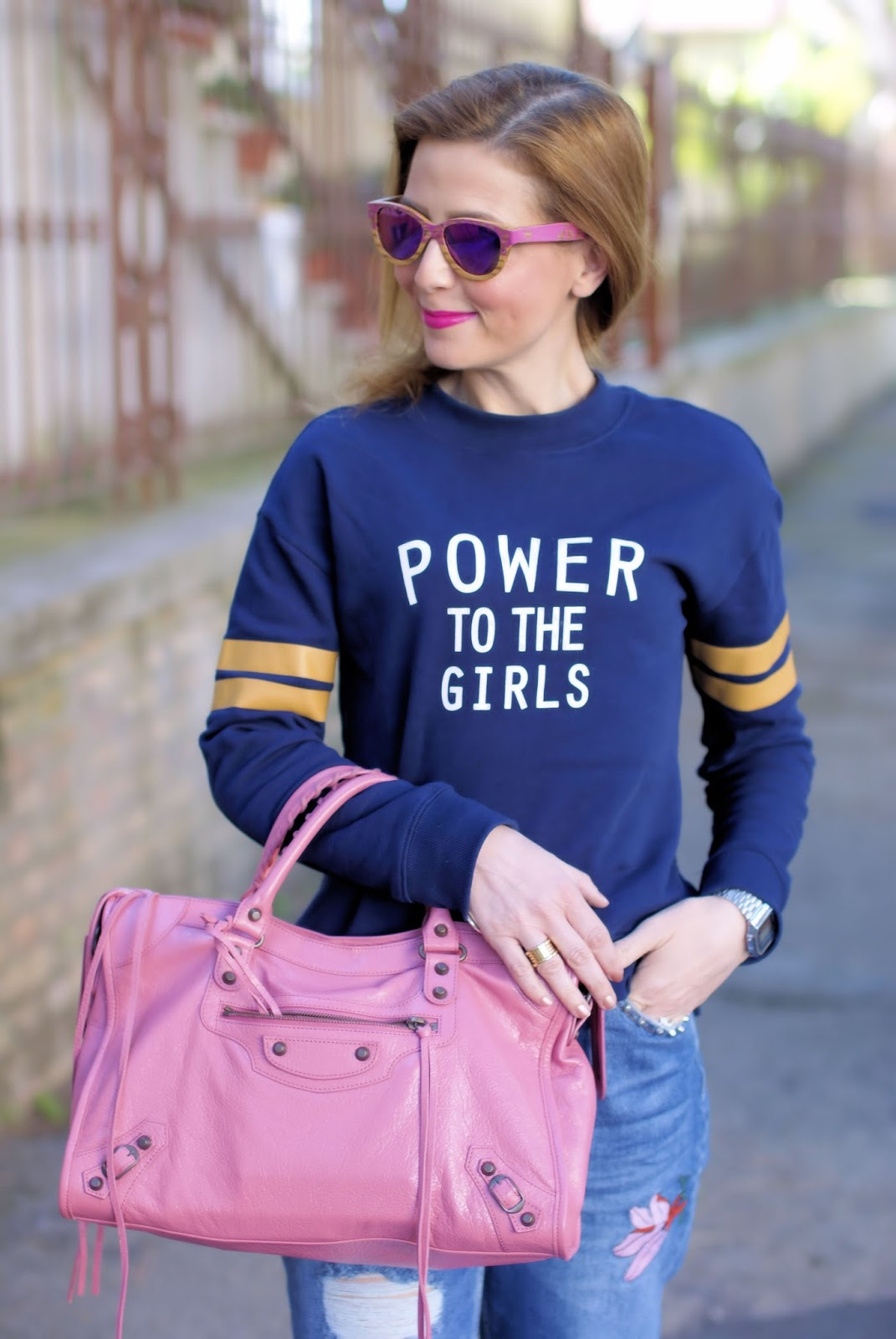 Power to the Girls H&M sweatshirt and Winkwood sunglasses on Fashion and Cookies fashion blog, fashion blogger style