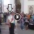 شاهد لحظة إشهار ضابط القمع لقرار التدخل لقمع المسيرة الاحتجاجية لليوم 20 يوليوز بشارع عبد الكريم الخطابي بالحسيمة