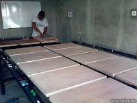 Menengok Tempat Pembuatan Meja Rel Sablon di Klaten