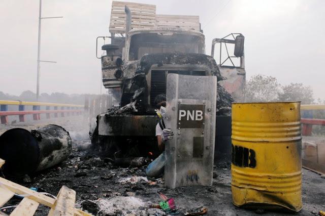 Represión sacude a venezolanos en intento de ingreso de ayuda humanitaria