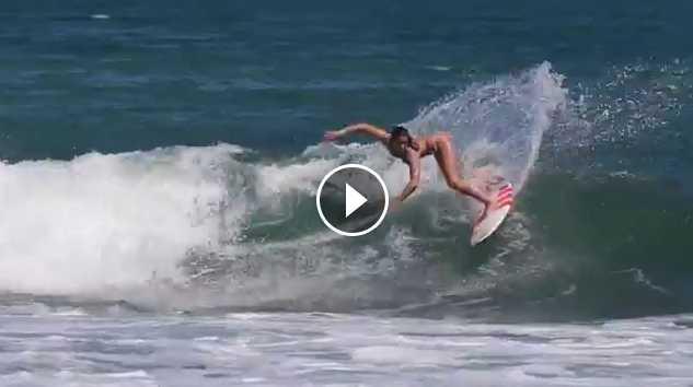 Lucia Martiño surf en Panamá