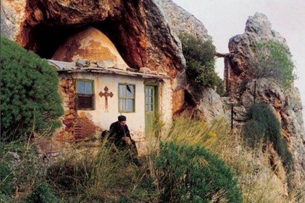 Το μυστικό της μακροζωίας του Αγίου Όρους