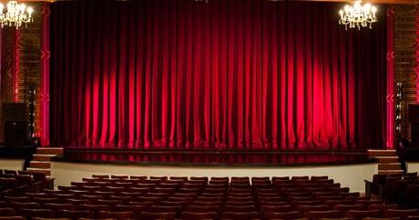 Tata Panggung di Dalam Seni Teater  RUMAH TEATER