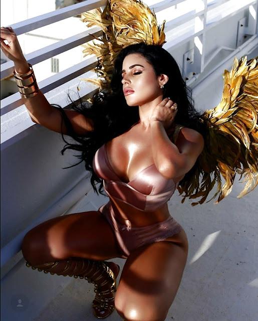 Stephanie Acevedo booty