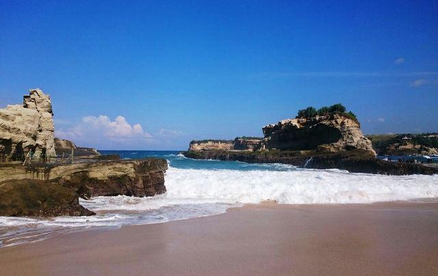 Pantai Klayar Pacitan.