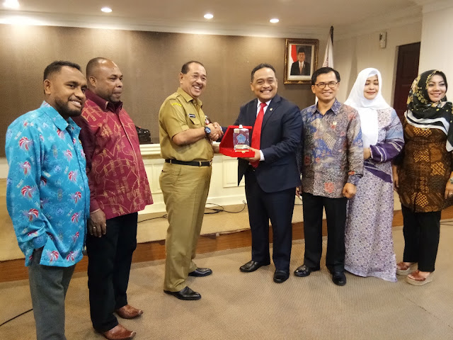 DPD RI Rancangan UU Kepulauan. Brani : Jokowi Telah Memulai Membangun Indonesia di Bagian Timur