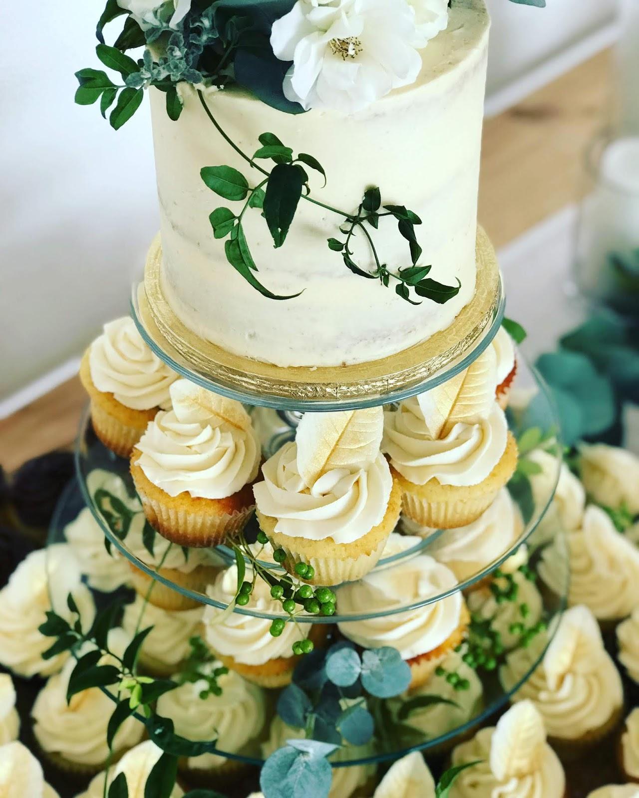 Cupcake Wedding Cakes: Rozanne's Cakes