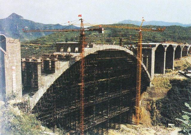 Construção da maior ponte de alvenaria de mundo