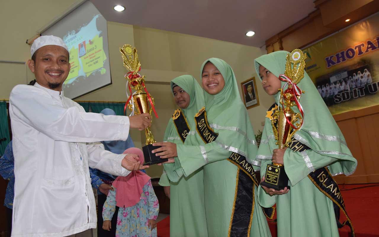 Sebagai Salah Satu Wisudawati Terbaik Quran Metode Ummi