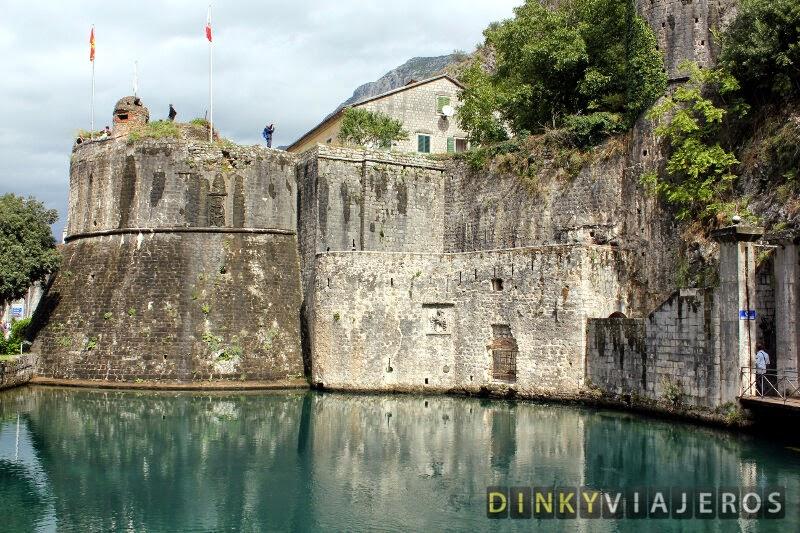 Murallas de la ciudad de Kotor en la Puerta Sur
