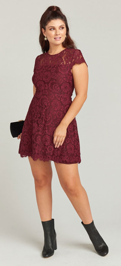 Find sexy valentines day clothes and valentines day fashion. 31+ Cute Valentines Day Outfits for Every Type of Date. Alyce dress | Valentine style via higiggle.com #valentine #fashion #outfits #love