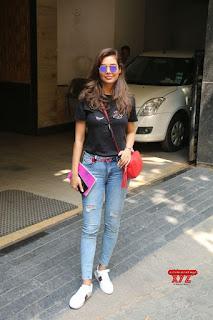 Esha Gupta looks cute beautiful in Tight Black T Shirt and Denim Jeans