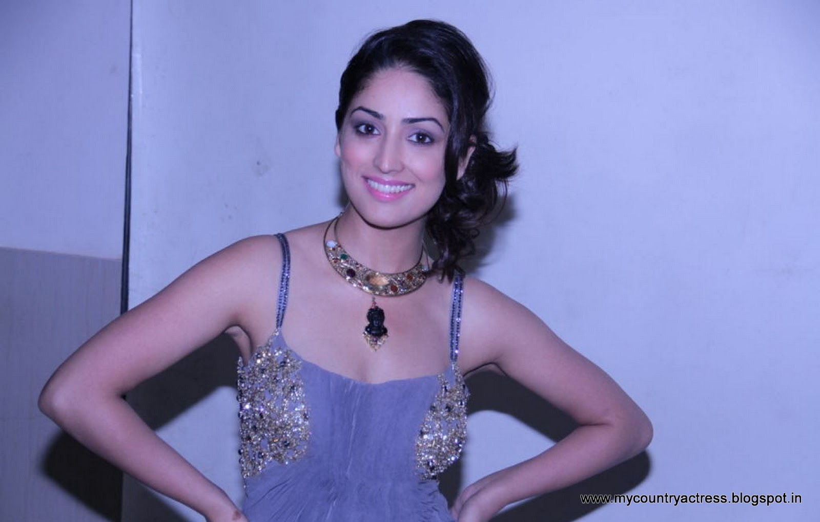 Bollywood Actress Yami Gautam Photoshoot: MY INDIA ACTRESS: Actress Yami Gautam Latest Hot Photoshoot