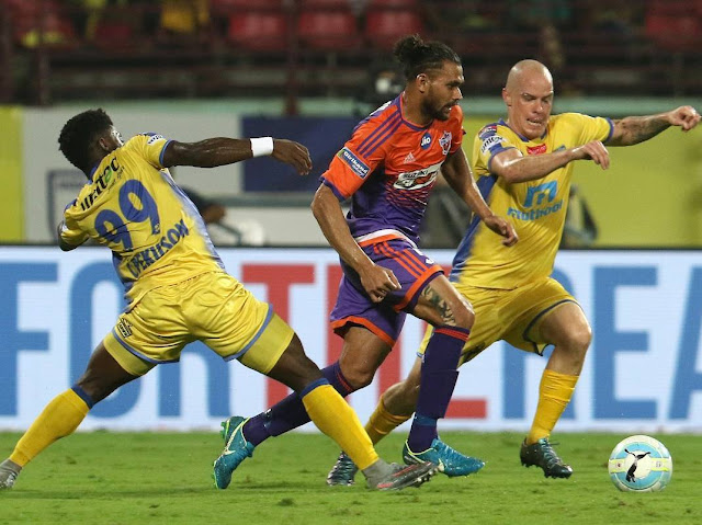 kerala-blasters-fc-vs-pune-city-fc-players-2018-hd-picture